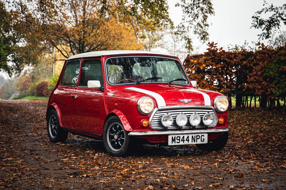 Mike Brewer Motoring - Rover Mini donated to Sporting Bears