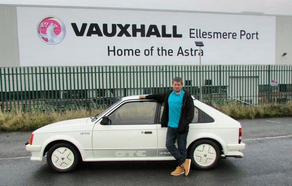 Mike Brewer Motoring - Mark McClelland's Vauxhall Astras