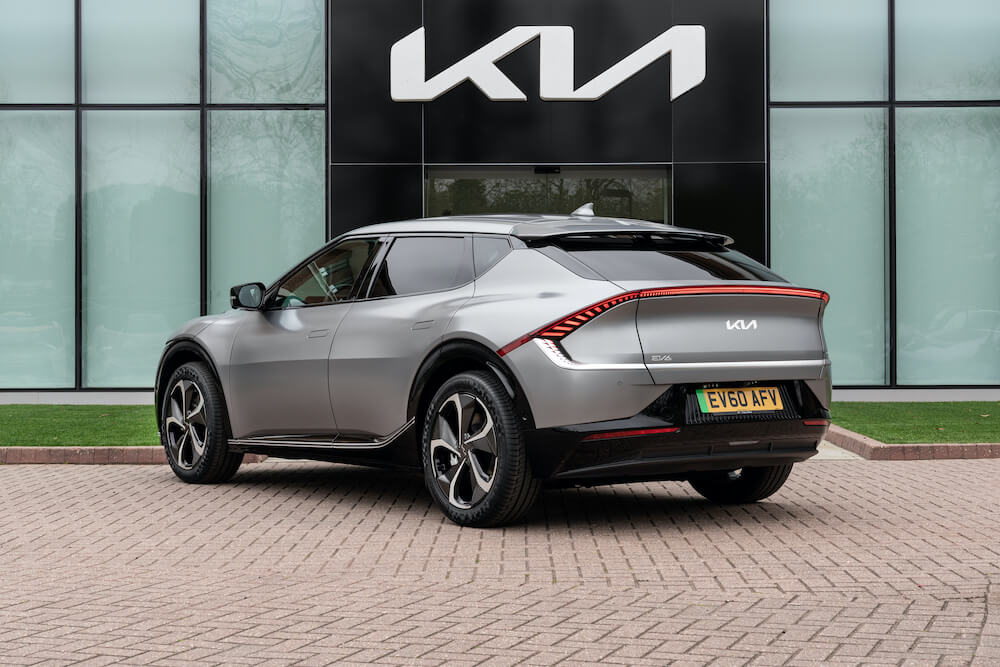 Mike Brewer Motoring - Kia EV6 electric car